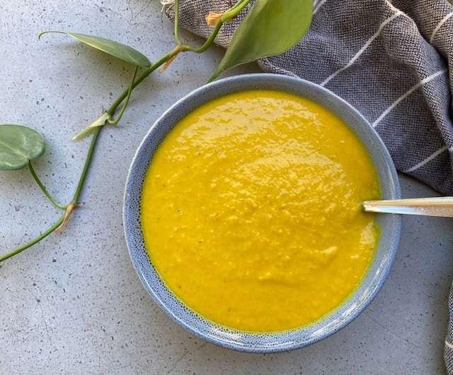 Low Fodmap Carrot Soup - A creamy vegan carrot soup recipe for SIBO diet